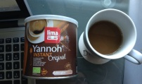 yannoh-carton-and-cup